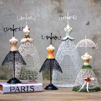 Wholesale Skirt princess jewelry wire rack storage model window display pictures of props girlfriends girls holiday gift