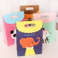 animal paper bags - Cartoon Animal Paper Gift Bag Art Color Gift Pack Children Birthday Candy Cake Bag Party Favors SD771
