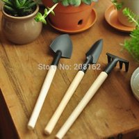 Wholesale Small Gardening Tools Mini Three Set Shovel Rake Spade Gardening Supplies Practical
