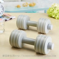 Wholesale New fashion plastic dumbbell hollow dumbbell filled dumbbell fitness equipment Sold at a loss