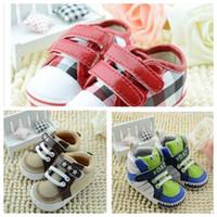 Zapato antirresbaladizo de los niños de los bebés del niño del caminante del otoño del resorte de la venta al por mayor de los muchachos recién nacidos al por mayor del prewalker de los niños del botton