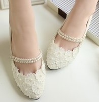 Wholesale handmade imitation pearl buckles lace dress shoes bridal wedding shoes