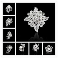 Wholesale Top grade Wedding Brooches Beautiful inlay Rhinestone Crystal Pearl brooch Girls Corsage Decorative brooch Wedding Bridal Bouquet Brooches