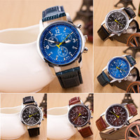 Wholesale new men s quartz watches fashion and casual luxury Leather Watch sports watch gift table fashion watch jewelry