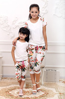 Wholesale Girls and Mother Family Set Cute Floral Print T Shirt Floral Shorts Pants Set Mom and Daughter Summer Clothing Sets F047