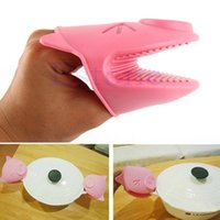 Wholesale 1Pc Kitchen Cooking Piggy Insulated Non slip Gloves Microwave Oven No slip Mitt