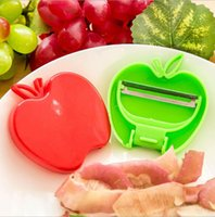 apple fruit press - Stainless steel apple peel peeler knife fruit knife melon plane folding kitchen gadgets Garlic Press
