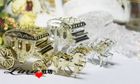 Wholesale High Quality Gold White Silver Haimens Candy Box Court Carriage Wedding Favor Box For Wedding Party Decorations Hot Sale