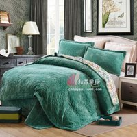 Wholesale Warm Colchas Cubre Camas Cama Quilted Bedsheet Coverlets Flannel King Cotton Quilt