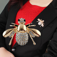 Wholesale 2014 New Design Jewelry Rhinestone Spider Shape Fashion White Color Flower Brooch