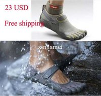 Wholesale New cheap price adult man woman climbing shoes for sport climb male female sandals walking outside sport five finger shoes