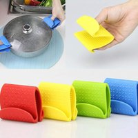 Wholesale Creative Silicone Insulation Clip Scald Proof Bowl Dishes Holder Microwave Oven Heat Clips Kitchen Tools Anti skid Hot Folder