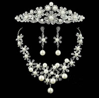 Wholesale Wedding Crystal Pearl Jewelry Sets High quality Flower shape Crown Earrings Necklace Bridal Jewelry Formal wedding Charm Jewelry Three piece