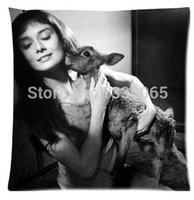 audrey hepburn bedding - Audrey Hepburn and animal Bed Setting X45 cm Throw Pillow Cases