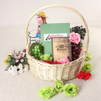 fruit gift baskets - Hot Sale Universal Large White Wicker Handmade Round Hamper With Handle Flowers Fruits Bread Picnic Gift Storage Basket