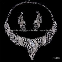 arabic pendants - Luxury Silver Bridal Jewelry Sets Rhinestones Pendant Statement Necklaces and Stud Earrings Arabic Wedding Prom Women Dresses Accessories