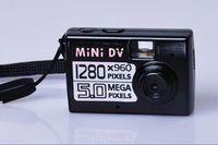 al por mayor mini fotos digital-Mini cámara digital cámara digital nueva llegada Appareil Negro foto gratis envío más pequeño del mundo de vídeo HD mini DV DVR 720 * 480 / 1280x960