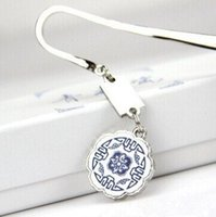 Wholesale New Chinese Style Element Blue And White Porcelain Metal Bookmarks For Creative Gift