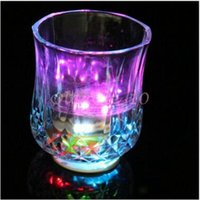 Wholesale 10000pcs CCA3071 High Quality Christmas LED Flashing Bottle Coaster Sticker For Drinks Glasses For Night Club And Bars Beer Party Decoration