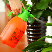 Wholesale L Pneumatic watering spray nozzles for plastic bottles gardening tools pp plastic pressure portable water sprayer