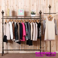 Wholesale Young wrought iron clothing rack clothing store display racks for hanging clothes rack clothing racks landing pendant