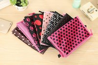 Wholesale Low cost Pretty Women Waterproof Nylon Travel Cosmetic Bags Cases cottons makeup storage piece per