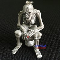 Wholesale Creative boutique funny classic premium Keychain Key Ring Pendant toilet skeleton Keychain