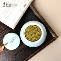 Wholesale Chinese ceramic porcelain tea caddy boutique seal caddy handmade craft artful decoration tea holder