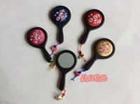 Wholesale Latest delicate Handmade Embroidery Handle Compact Mirror Wedding Gifts Cherry blossoms Silk Fabric Portable Makeup Mirrors with Boxes