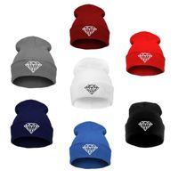 Prezzi Wool hat-Vendita inverno caldo della protezione del cappello del Beanie lana a maglia le donne degli uomini dei cappelli di diamanti Skullies ricamo caldo di trasporto libero Berretti unisex