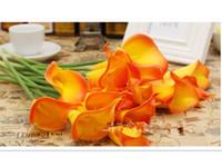 al por mayor cala anaranjada boda del lirio-Hermosa PU Artificial Real Touch Calla Lily Flores Ramo para Jardín Favorito Nupcial Decoración de Boda Rojo / Naranja