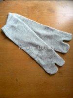 2014 el nuevo separador grande del dedo del pie de los calcetines de los calcetines de las mujeres de la ayuda del Bunion de 1pair = 2pcs calienta los pies de Hallux Valgus del pie del dolor libera el envío