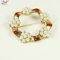 american pentagon - Fashion Jewelry Gold Plated Red Crystal Metal Brooch Pentagons White Little Pearl Brooches For Women Daihe Unique Design