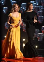 Поезд стреловидности Желтый шифон платье красного ковра из Сейду Портрет рукава вечерние платья Sexy Cutaway Side платье знаменитости