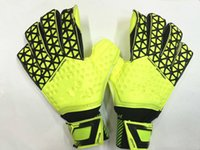 Wholesale 2016 Newest Soccer goalkeeper gloves football latex goalie gloves professional sports protection guantes de arquero