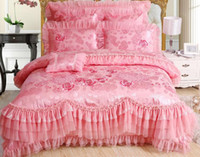 Wholesale Romantic Pink Red lace princess Rose wedding bedding sets Luxurious Silk duvet cover Satin embroidered jacquard home textile