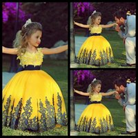 Wholesale 2015 New Arrival Flower Girl Dresses Ball Gown Little Girl Floor Length With Lace Appliques Princess Girls Pageant Dresses