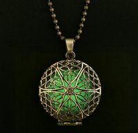 Wholesale 2015 Vintage Frozen Glow Necklace Steampunk Fairy Magic Locket Necklace Round Glow In The Dark Pendant Necklace J308