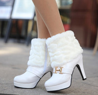 Wholesale Woman Winter Boots Fashion Boots Warm Lining Middle Heel Ankle Black White Boots with Fur Buckle Cheapest Best Christmas Gift