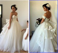 wedding gown detachable train - 2015 Wedding Dresses with Detachable Train Sweetheart Beaded Lace Fluffy Backless Wedding Gowns Princess Ball Gown Wedding Dresses
