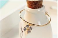 Wholesale Wholesales Vintage Fashion Elegant Rhinestone Classical Clover Open end bracelet bangle Chain Banquet Jewelry