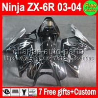 al por mayor plata zx6r-7Gifts llamas de plata para KAWASAKI NINJA ZX6R 03-04 ZX- 6R ZX636 M # C473 ZX 636 ZX -636 ZX 6 R ZX 6R 03 04 2003 2004 carenado Plata Blk En rebajas