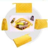 Wholesale New Hot Sale Bridal Hand Bags Yellow Cosmetic Women Makeup Suppliers Travel Bags
