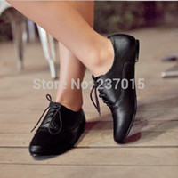 Wholesale Classic Vintage British Style Huarache White Black PU Leather Oxfords Autumn Flat Shoes For Women Plus Size