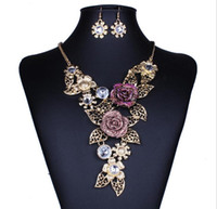 Wholesale Fashion European Retro Womens jewelry sets Vintage crystal Rose Flower Hollowed Chain Necklace Earring Set For ladies in top quality