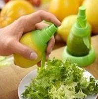 Wholesale Free Ship Sets per set Creative Fruit Kitchen Spray Tool Juice Maker Juicer Stem Sprayer