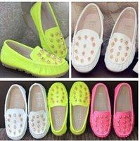 Wholesale The new children s men s and women s leather shoes leisure shoes breathable rivet parent child doug