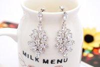 Wholesale Vintage Zircon Inlaid Flower Shape Dangle Alloy Earring Wedding Supplies Ear Dangle B1540