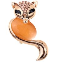 Wholesale Hot Sale Pretty Gold Plated Fox Carve Shining Crystal Brooch pins For Wedding