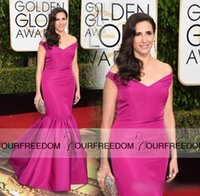 Michaela Watkins 2016 vestidos de la alfombra roja fuera de hombro más el tamaño de satén de la sirena del tren del barrido de la tarde a las manchas largo vestido de noche elegante formal